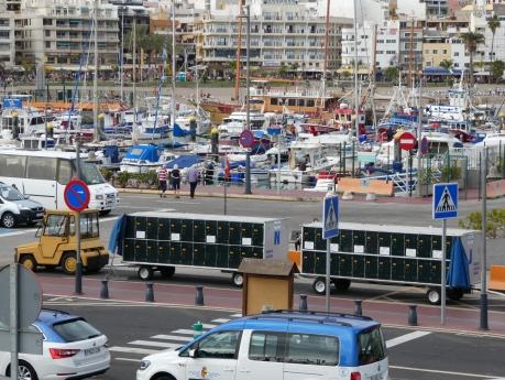 Hafen Los Cristianos, Gepäckwagen nach La Gomera